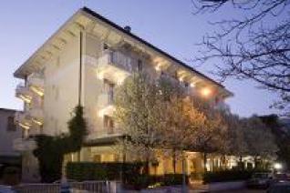 MAESTRALE SUITE HOTEL (RICCIONE) 4*