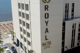 ROYAL G 4+*